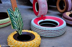 How to Recycle: Recycled Tire Furnitures Recycled Toys, Recycled Bottles, Recycled Crafts, Recycled Materials, Tire Seats, Tire Chairs, Tire Furniture, Recycled Furniture, Furniture Design