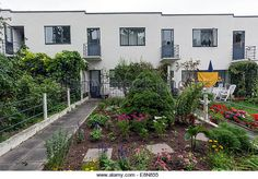 weissenhofsiedlung row | Homes 5-9: Terraced houses by J.J.P. Oud The Weissenhof Estate - Stock ...