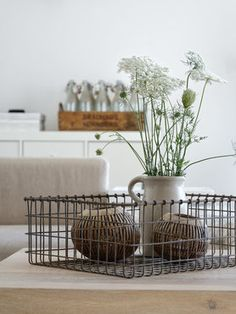 Unkraut! #einrichtung #interior #einrichtungsideen #dekoration #blumendeko  Foto: mxliving