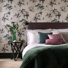 Madama Butterfly -tapetti by 1838 Wallcoverings Comforters, Vet, Butterfly, Groot, Blanket, Wallpaper, Flora, Home, Products
