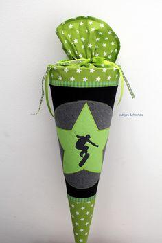 Schultüten - Schultüte 'Skater' - ein Designerstück von buttjes-friends bei DaWanda