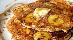 POTŘEBUJEME   1 velký zralý banán  170 g bílého jogurtu  1 vejce  1/2 lžičky vanilkového cukru  2 lžíce studené vody  100 g hladké mouky  1 ...