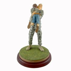 Thomas Blackshear Coming Home In Ivory Figurine Height: 11.75 Inches Material: Resin Type: Figurine Brand: Thomas Blackshear Item Number: Thomas Blackshear 828944 Catalog ID: 16181 New With Box. Ebony