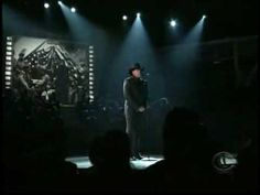 In honor of our veterans:  Trace Adkins and the West Point Cadet Glee Club at the 2009 ACMA's