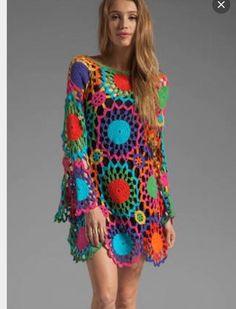 Vestido em Crochê com Motivos Coloridos ( Com sugestão dos gráficos dos motivos )
