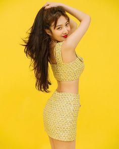 Joy Instagram, Instagram Fashion, Joy Rv, Yellow Crop Top, Red Velvet Joy, Velvet Style, Park Sooyoung, Velvet Fashion, Sensual