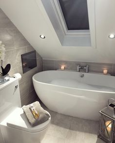 DIY Country Bathroom Decor Ideas Perhaps you think of home improvement work and think that such projects are beyond your capabilities. Improving your home Loft Bathroom, Upstairs Bathrooms, Chic Bathrooms, Small Bathroom, Bathroom Ideas, Bad Inspiration, Bathroom Inspiration, Small Tiles, Attic Rooms
