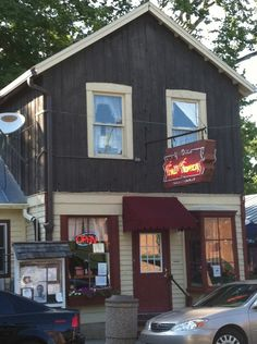 Ye Olde Trail Tavern in Yellow Springs is the oldest bar in Ohio. Buckeye Nut, The Buckeye State, Dayton Ohio, Cleveland, Xenia Ohio, Old Bar, Yellow Springs, Thing 1, 50 States