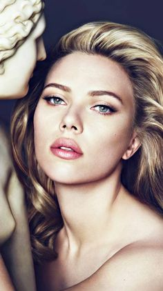 The Beauty Scarlett Johansson Scarlett Scarlett - maallure Cool Blonde Hair Colour, Scarlett Johansson Hairstyle, Hollywood Actress Pics, Bleach Blonde Hair, Black Widow Scarlett, Beautiful Lips, Sexy, Long Hair Styles, Portrait