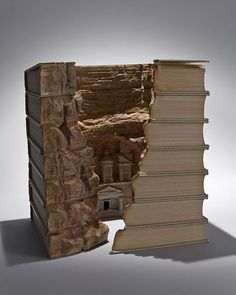 Guy Laramee from Canada creates incredible sculptures out of books. More precisely the material for the works are old dictionaries and encyclopedias. Of these, he carves these mountain landscapes and the plateau, and then paints in natural color.