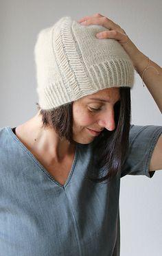 Ravelry: 2020 Hat pattern by Melanie Berg Easy Projects, Knitting Patterns, Hat Patterns, Ravelry, Knitted Hats, Knitwear, Cashmere, Winter Hats, Design