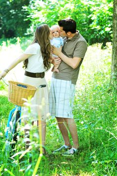 family photo shoot with vintage bike