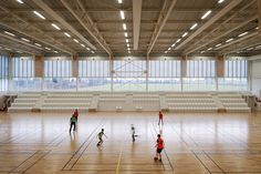Image 13 of 24 from gallery of Gymnasium Plabennec / Bohuon Bertic Architectes. Photograph by Patrick Miara Gymnasium Architecture, Education Architecture, Facade Architecture, Amazing Architecture, Basketball Court Size, School Hall, Youth Center, Sports Complex, School Design