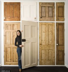 No burden on the wallet: couple do up a flat with and freebies (crate shelves with doors) Built In Cupboards, Bedroom Cupboards, Kitchen Cupboards, Kitchen Pantry, Wardrobe Doors, Built In Wardrobe, Wardrobe Ideas, Interior Design Tips, Interior Exterior