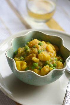 bombay potato recipe indian spiced potatoes and peas
