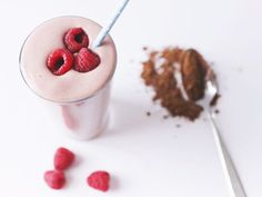 Detox Chocolate Berry Smoothie recipe