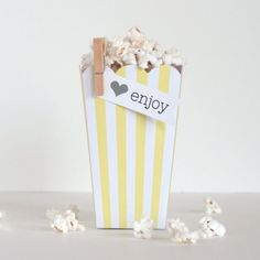 {new} Popcorn Boxes - Yellow Stripe