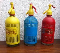 Drie bijzondere spuitflessen/sifons. Vintage! Retro!