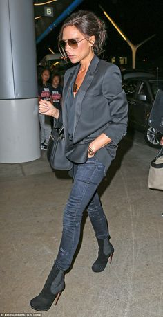 Victoria Beckham jets out of LAX looking stylish as ever in all black #dailymail