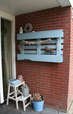 meubels en leuke ideeen voor buiten Scaffolding Wood, Wood Crafts, Diy Crafts, Wooden Crates, Recycled Wood, Pallet Furniture, Pallet Projects, Industrial Style, Small Spaces