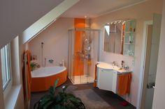 Fugenlose Wandverspachtelung mit Farbakzenten Bathtub, Bathroom, Full Bath, Bathing, Standing Bath, Washroom, Bathtubs, Bath Tube, Bath