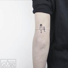 Resulta que cuando este tatuador llamado Cambaz comenzó en el mundo de los tatuajes ya llevaba años trabajando como dibujante de cómics. Así que, como puedes imaginar, un tipo de trabajo influyó al otro de