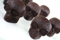 Hey, I found this really awesome Etsy listing at https://www.etsy.com/listing/124021309/solid-chocolate-skulls-10-pieces-gothic