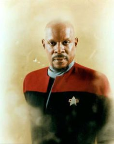 Avery Brooks as Captain Benjamin Sisko from Star Trek: Deep Space Nine Star Trek Show, Star Trek Tv, Star Wars, Akira, Avery Brooks, Deep Space Nine, Star Trek Captains, Star Trek Images, Star Trek Characters