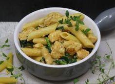 Makaron z kurczakiem szpinakiem i suszonymi pomidorami Penne, Cheddar, Guacamole, Potato Salad, Potatoes, Chicken, Meat, Ethnic Recipes, Food