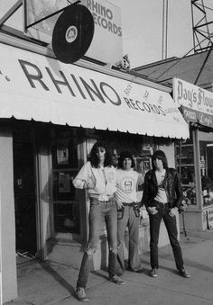 The Ramones with Harold Bronson, co-founder of Rhino Records on Westwood Blvd. in Los Angeles In Rhino became a record distributor thanks to then-store manager Bronson's efforts. Early releases were mostly novelty records and some punk rock singles. Ramones, Pop Rock, Rock N Roll, Music Icon, My Music, Beatles, Joey Ramone, Vito, Slash