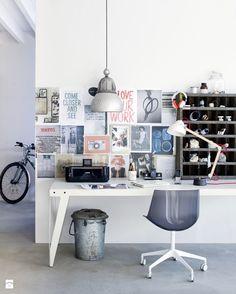 Klasyczne biurko w nowoczesnym wnętrzu - Biel i drewno w miejscu do pracy - zdjęcie od cleo-inspire - Gabinet - Styl Art- deco - cleo-inspire