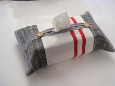 Boîte de mouchoirs boîte à couvercle  blanc cassé et gris Tissue Box Covers, Tissue Boxes, Thank You For Order, Kleenex Box, Grey Socks, Cover Gray, Bias Tape, Cozy Place, Fashion Socks