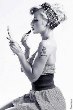Lipstick - Pin-up - Portrait - Tattoo - Ink - Black and White - Photography
