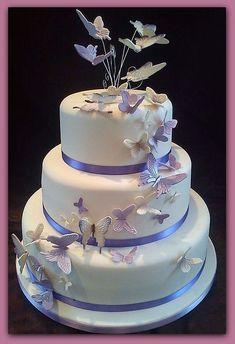 Resultado de imagen para tortas de 15 con mariposas