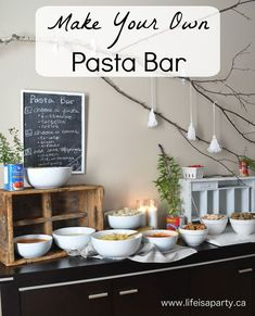 Make Your Own Pasta Bar: This buffet is perfect for a party, set up different pastas, sauces, and toppings and let your guests make-their-own! Pasta Bar Party, Party Food Bars, Potluck Themes, Dinner Themes, Italian Theme, Italian Party, Italian Buffet, Sauce Pasta, Make Your Own Pasta