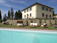 VILLA SOLE, près de Certaldo, dans la province de Florence. 18 personnes. http://www.destination-italie.net/appartement-location-italie-1063.html