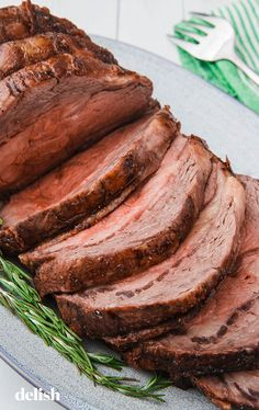 This Is The Best Way To Cook Perfect Prime RibDelish dinner menu ideas main dishes beef tenderloin This Is The Best Way To Cook Perfect Prime Rib Rib Roast Recipe, Prime Rib Recipe, Roast Recipes, Dinner Recipes, Cooking Recipes, Dinner Ideas, Catering Recipes, Cooking Pasta, Cooking Games