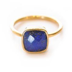 Lapis Gemstone Ring...perdy!