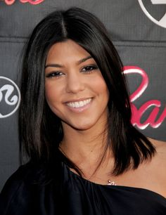 #KourtneyKardashian Natural Makeup Look Source: http://www.huffingtonpost.com/2014/04/18/kourtney-kardashian-makeup-inspiration_n_5173935.html