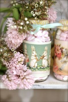 Ana Rosa~Spring flowers and pretty vintage jars! Happy Easter, Easter Bunny, Easter Eggs, Raindrops And Roses, Festa Party, Welcome Spring, Easter Celebration, Spring Has Sprung, Scrapbook