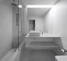 Modern Bathrooms by João Tiago Aguiar Arquitectos