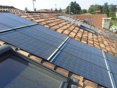 I pannelli fotovoltaici di produzione tedesca sono di tipo integrato. Oltre a garantire un'elevata efficienza energetica, la particolarità di questi pannelli si riscontra nella loro eccezionale integrazione col tetto. Sono così sottili che sostituiscono le tegole del tetto garantendo isolamento e discrezione.