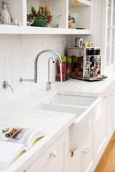 Wonderful Images Farmhouse Sink drying rack Suggestions Being from Ireland and h. Wonderful Images Farmhouse Sink drying rack Suggestions Being from Ireland and having included the beautiful Belfast far. Corner Sink Kitchen, Kitchen Sink Design, New Kitchen, Kitchen Sinks, Kitchen Ideas, Kitchen Rack, Kitchen Inspiration, Ikea Farmhouse Sink, Farmhouse Furniture