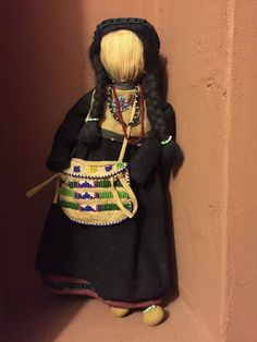 Beautiful Antique Corn Husk Iroquois/Seneca Doll Native American Indian