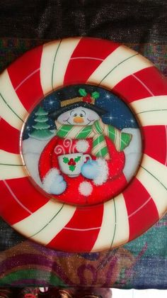 Portaplato Wood Crafts, Christmas Crafts, Christmas Tree, Tole Painting Patterns, Arte Country, Painted Plates, Plates And Bowls, Tea Party, Snowman