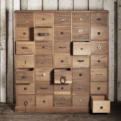 Biblioteca de cajones de cedro Marketing Slogans, Town And Country, Brand You, Cool Furniture, Wood Projects, Sweet Home, Organization, Dressers, Storage