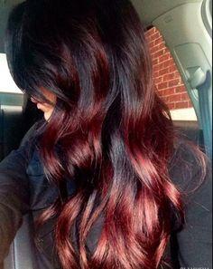 Яркий hair-тренд: окрашивание «вишневое омбре»