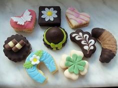 Donuts, Gingerbread, Biscuits, Food And Drink, Sweets, Sugar, Cookies, Desserts, Christmas