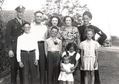 The Elmer Paschall family.  WWII was over and Bill and Maurice were home.  1945, Bridgeport, Texas