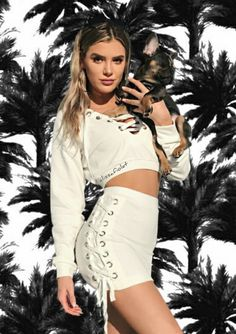 {Alissa with anyone} I had just woken up, showered and went downstairs. I open the fridge and grab my protein shake. You speak up and I jump. Summer Outfits, Girl Outfits, Cute Outfits, Alissa Violet Style, Allisa Violet, Kim Possible Cosplay, Violet Aesthetic, Hot Blondes, Woman Face
